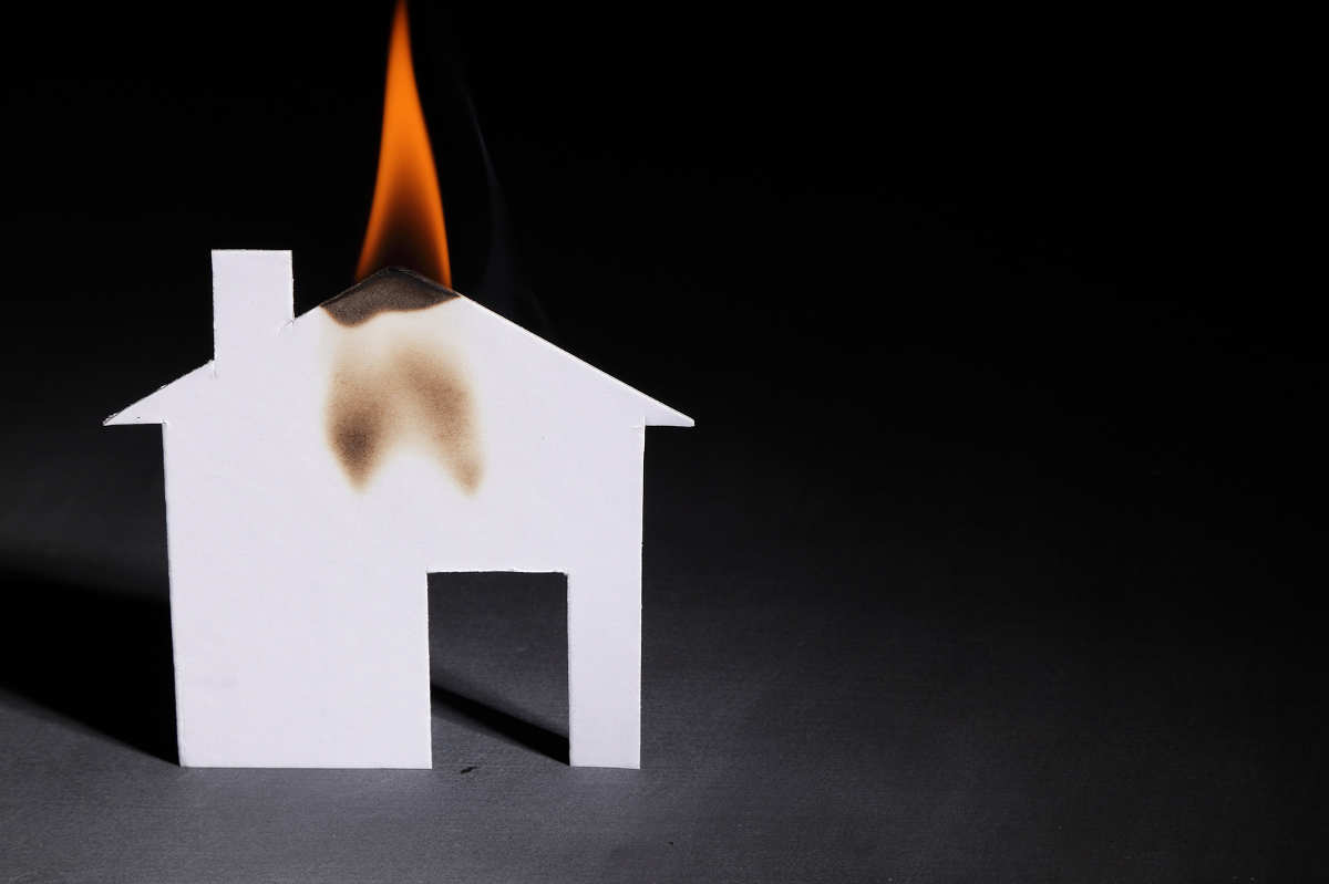 3 Effective Tips for Cleaning Smoke Damage in Your Home
